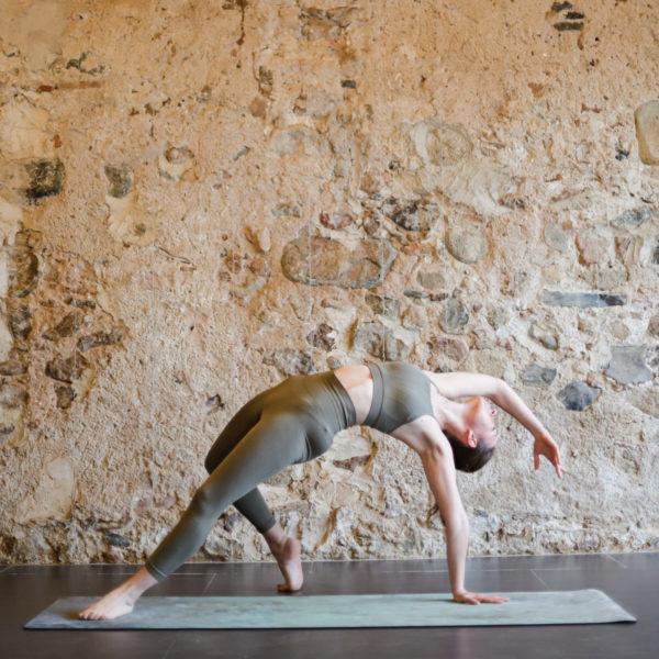 Yoga el Mas groc